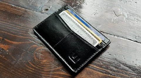 Slim Wallets for Men at WALLETERAS – Trendy and Compact Card and Cash Holders