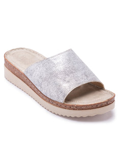 Essonite Metallic Sandals