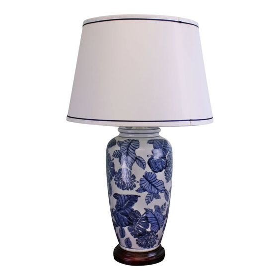 blue & WHITE LAMP