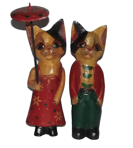 Decorative Ornaments & Figures - Cat Couple Wooden Ornament