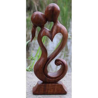 Decorative Ornaments & Figures - Kissing Couple