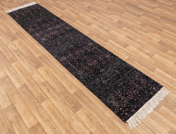 Hand-knotted long Runner 1