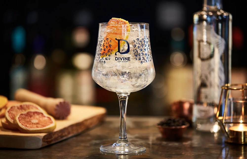 Load image into Gallery viewer, Divine Gin 42% 20cl