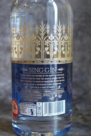 Load image into Gallery viewer, Sing Gin 40% 70cl