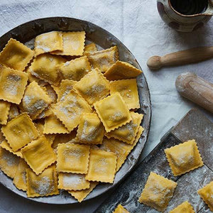 Load image into Gallery viewer, La Tua Beetroot & Goat Cheese Ravioli 250g