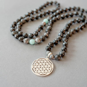 Flower of Life Man Gemstone Mala with Labradorite and Amazonite, Manipura - Handmade in Amsterdam