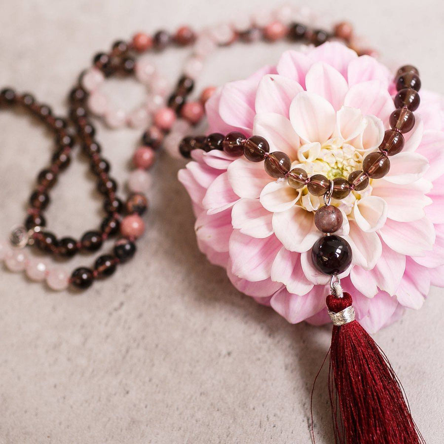 Feminine Rose and Smokey Quartz Gemstone Mala, Manipura - Handmade in Amsterdam
