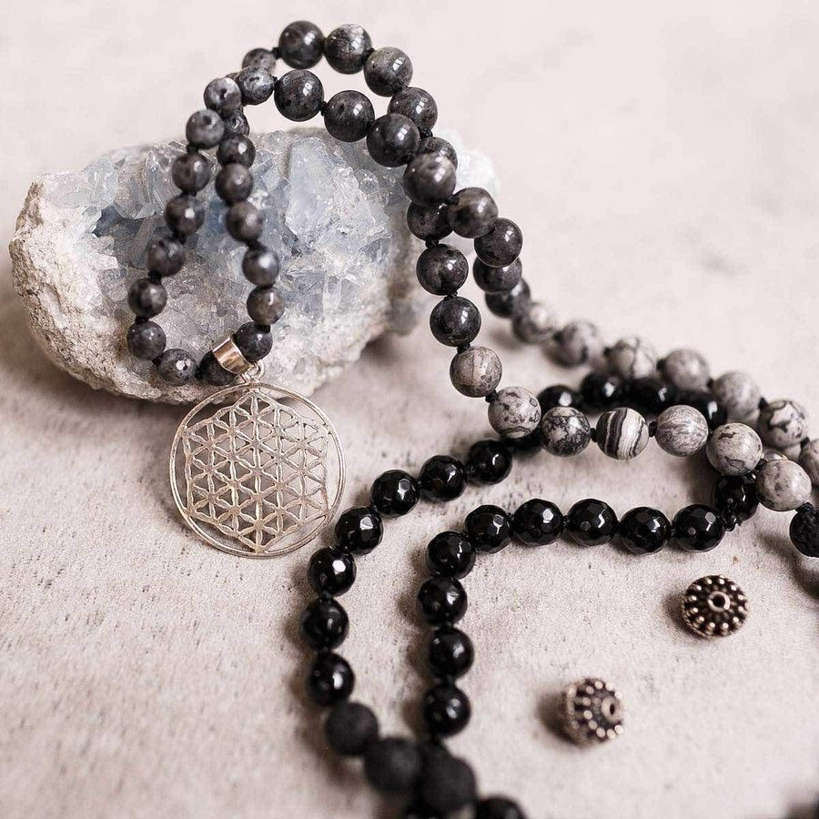 Black Onyx and Labradorite Man Gemstone Mala, Manipura - Handmade in Amsterdam