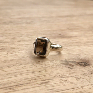 Handmade Smoky Quartz Gemstone Ring, Manipura - Handmade in Amsterdam