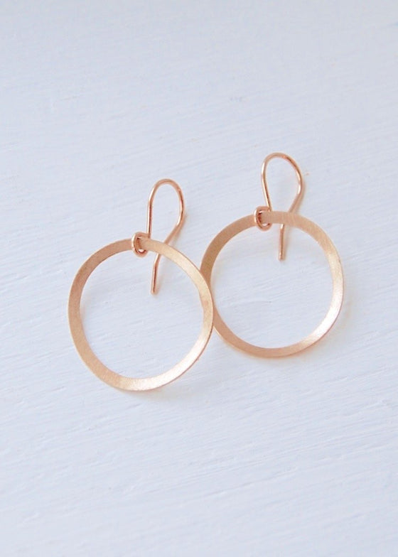 Heorth | Evolve Circle Earrings | Medium 18K Gold
