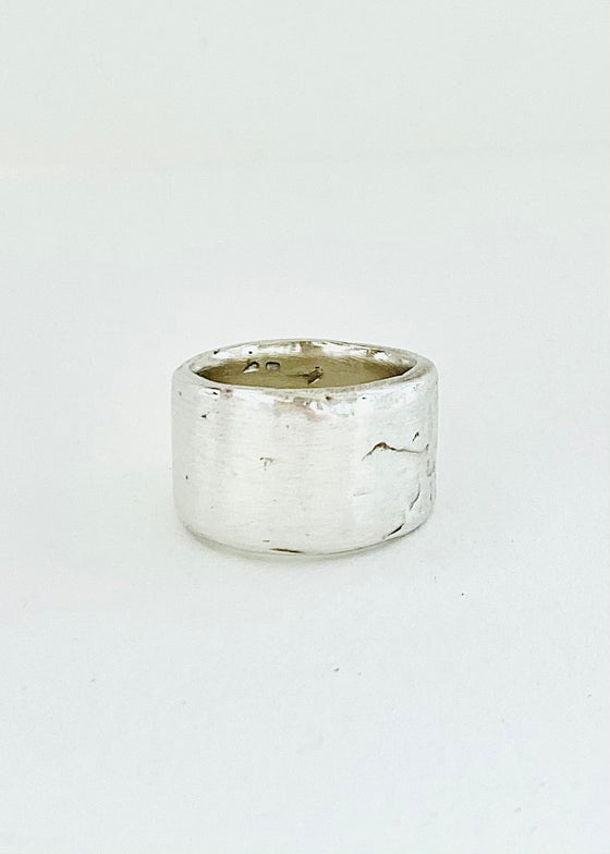 Heorth | Night Ring | Polished Sterling Silver