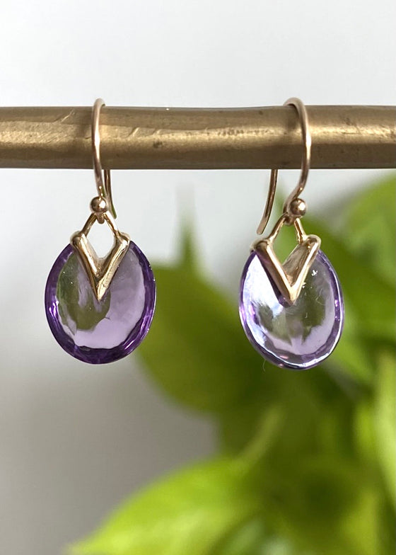 Rachel Atherley | Tiny Lily Pad Earrings in Amethyst + 14kg