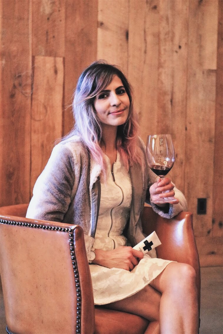 caroline flowers napa valley ca influencer fashion lifestyle blogger brasswood wine cellars napa valley tips wine country style fashion boutique