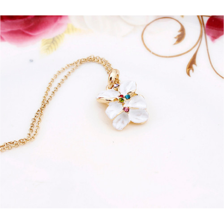 18K Rose Gold Austrian Crystal White Flower Jewelry Set
