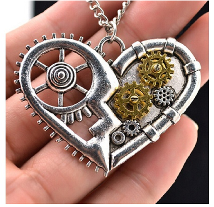 Vintage Silver Heart Pendant Necklace Gear Charm Steampunk Necklace