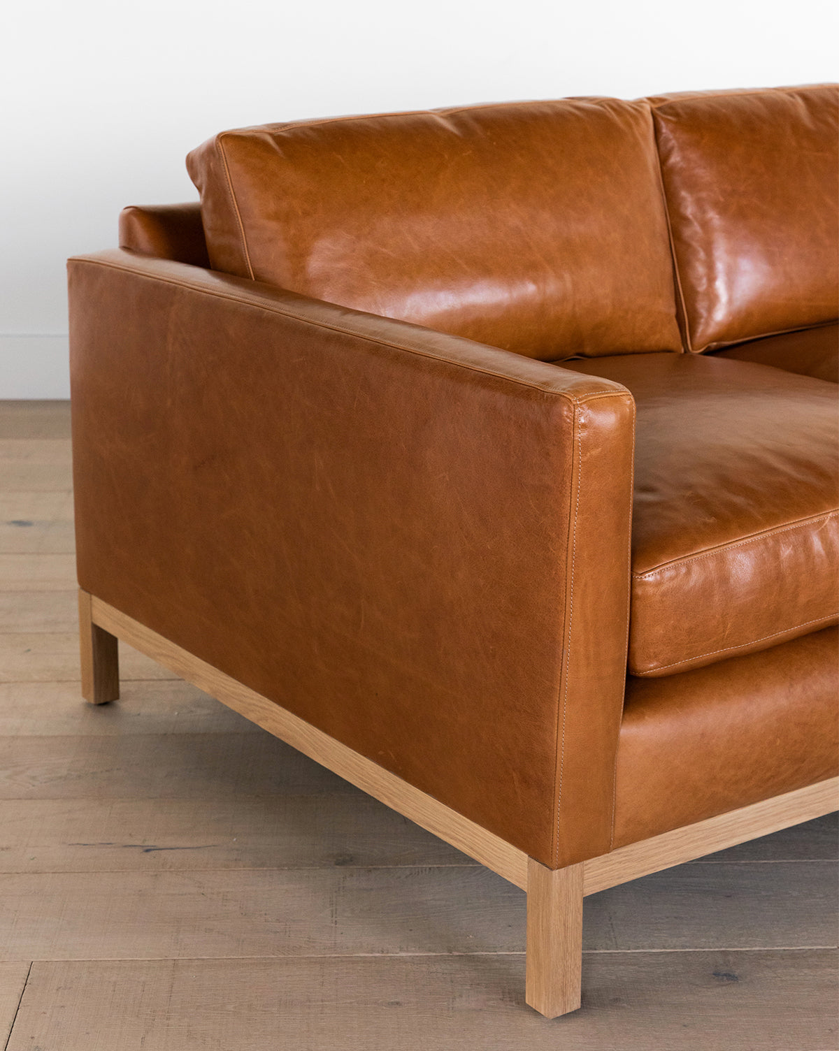 Enjoyable Buckley Leather Sofa Mcgee Co Frankydiablos Diy Chair Ideas Frankydiabloscom