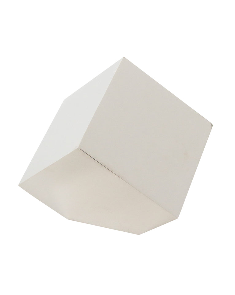 Closed Cube Object