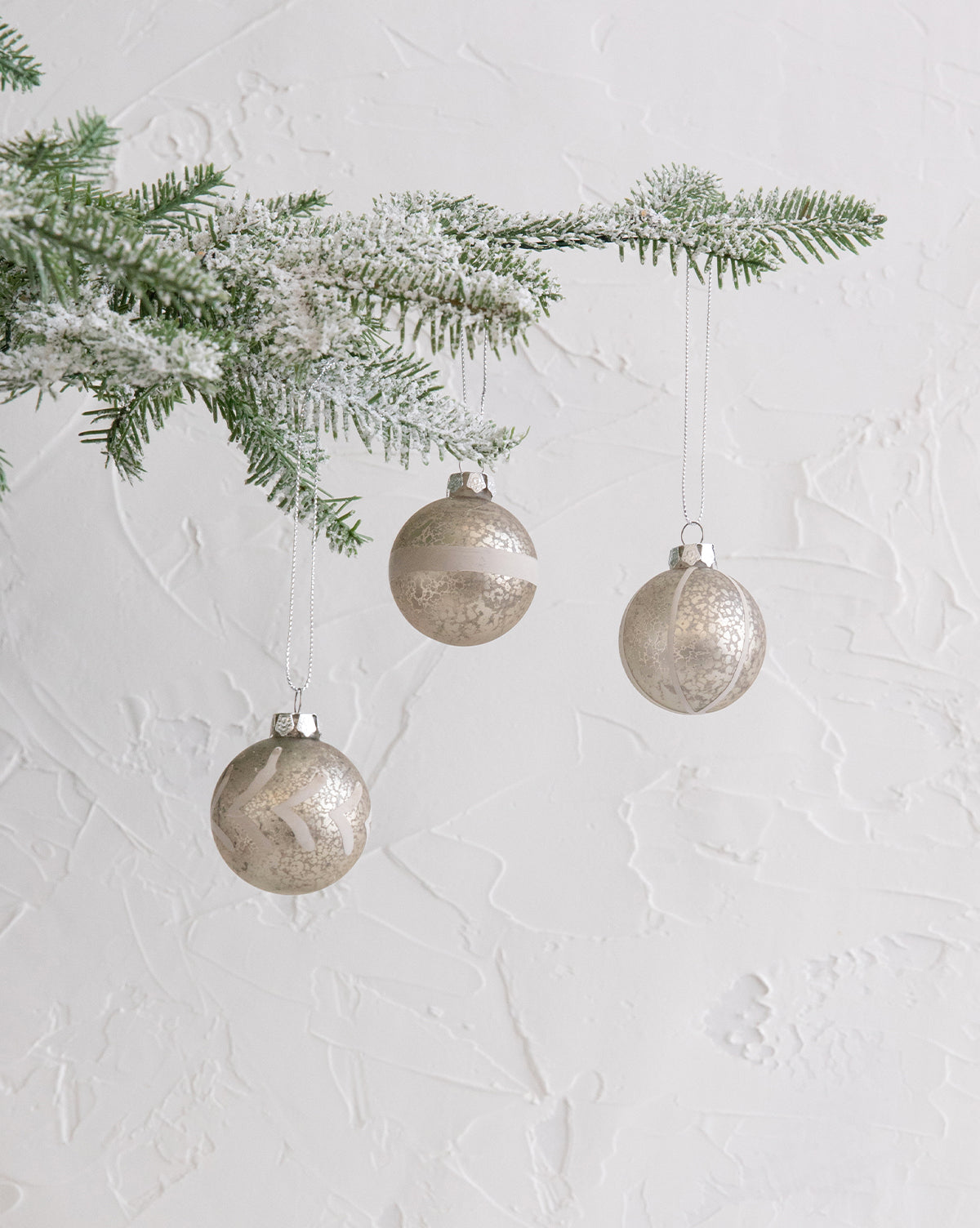 White & Gold Ornaments (Set of 3)