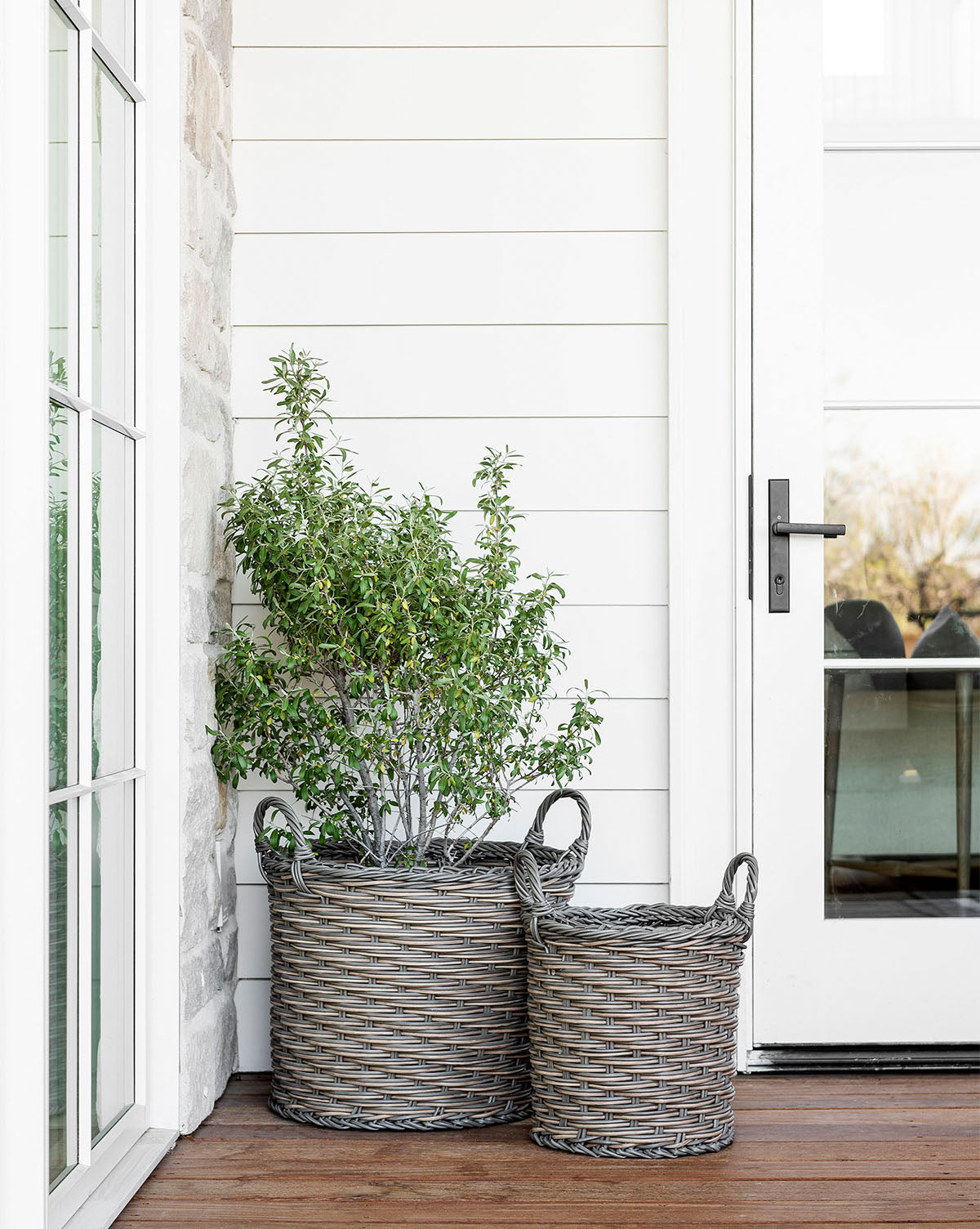 Hila Indoor/Outdoor Handled Basket