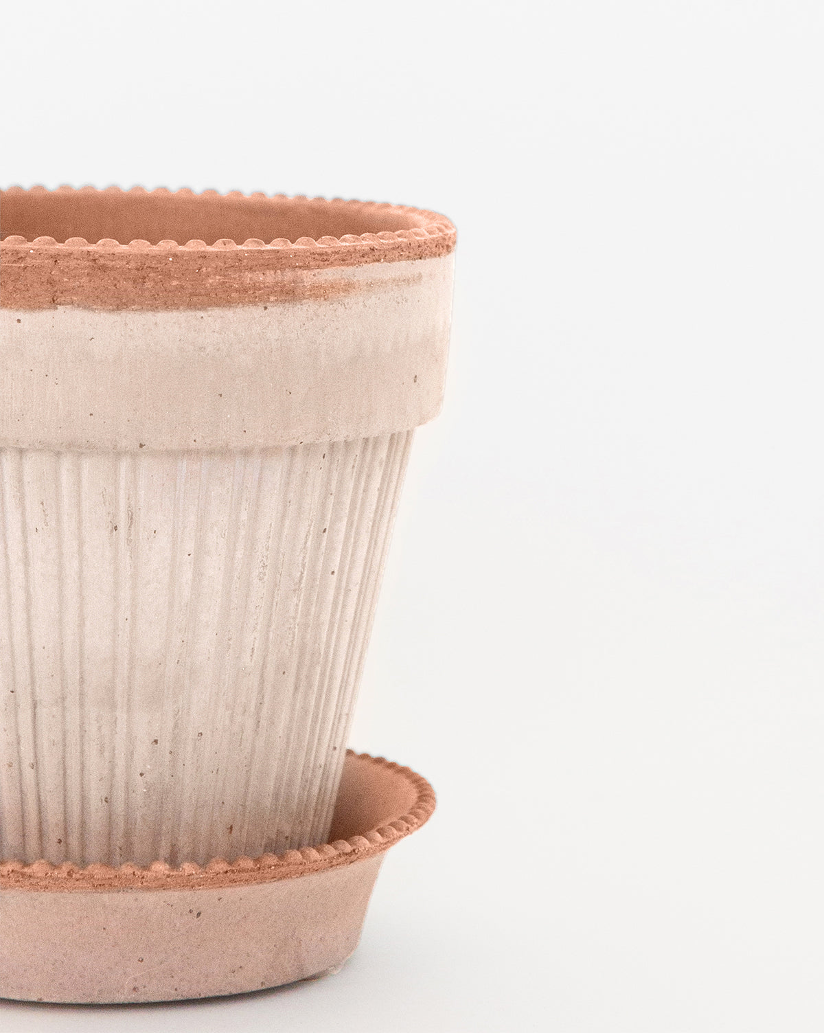 Dotted Edge Pot