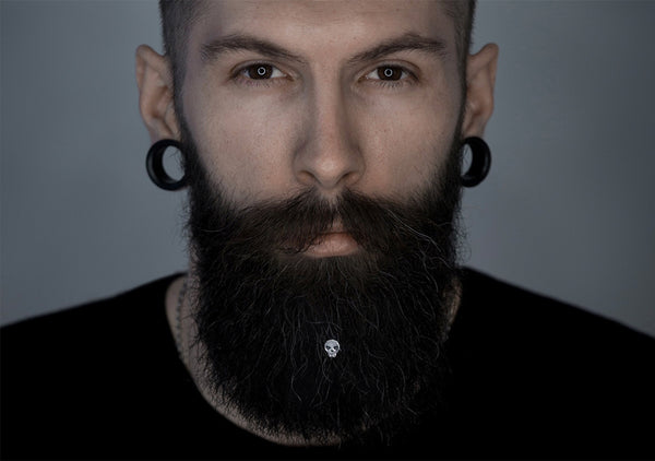 how to style the beard with silver skull beard beads, Italian design of Krato Milano