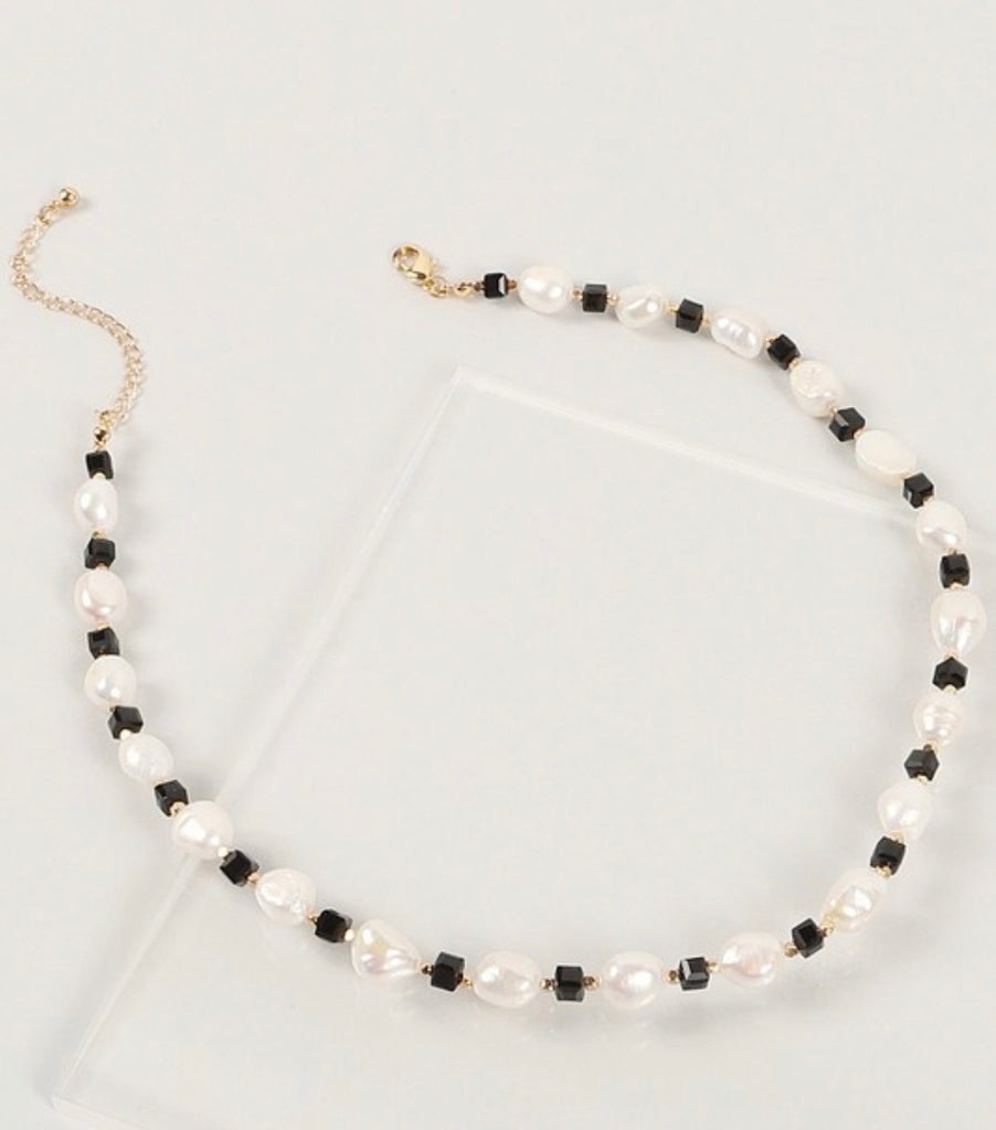 Black & Pearl Necklace