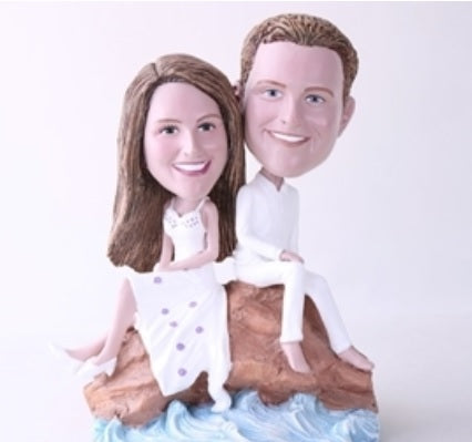 Couple with an Ocean View Bobblehead