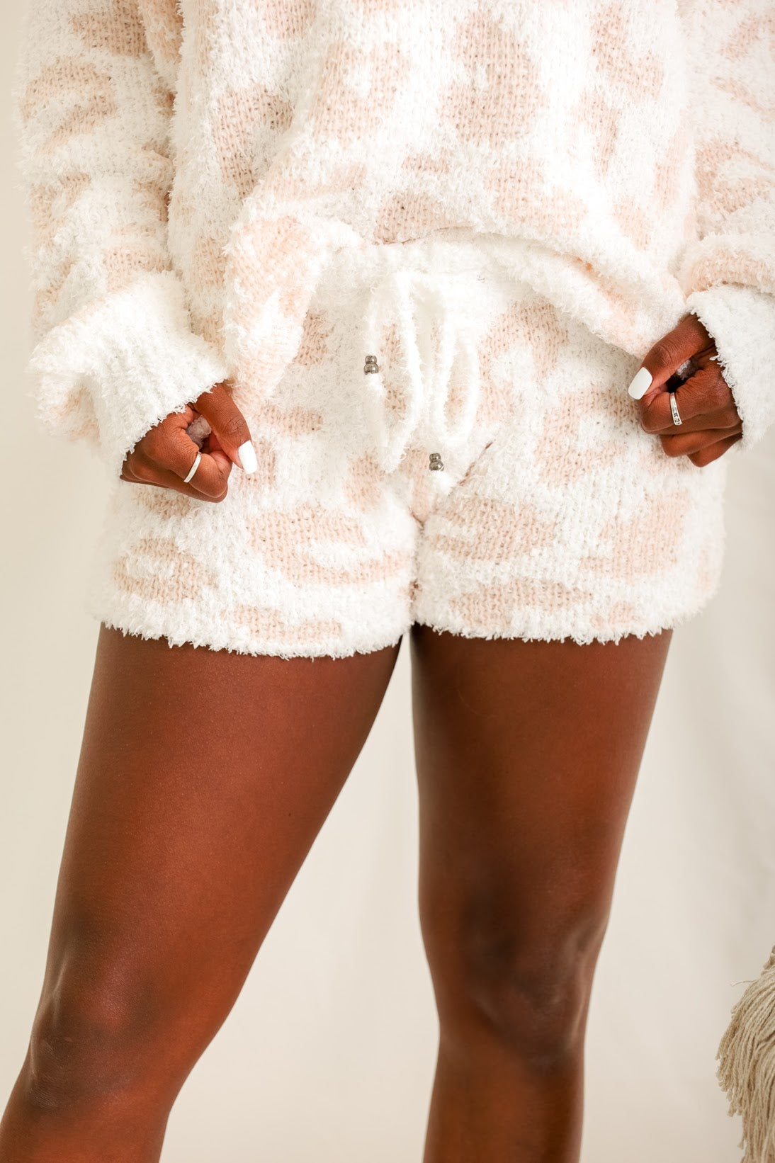 Dream of the Wild Leopard Shorts - White/Pink