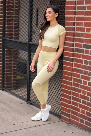 Running the Block Perforated Crop Top - Yellow