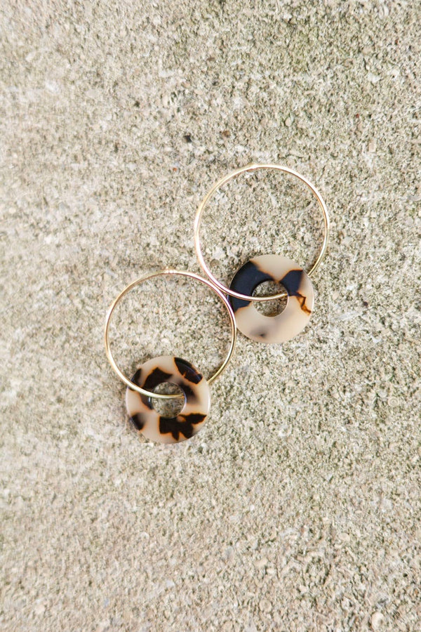 Out of Your Shell Resin Hoop Earrings