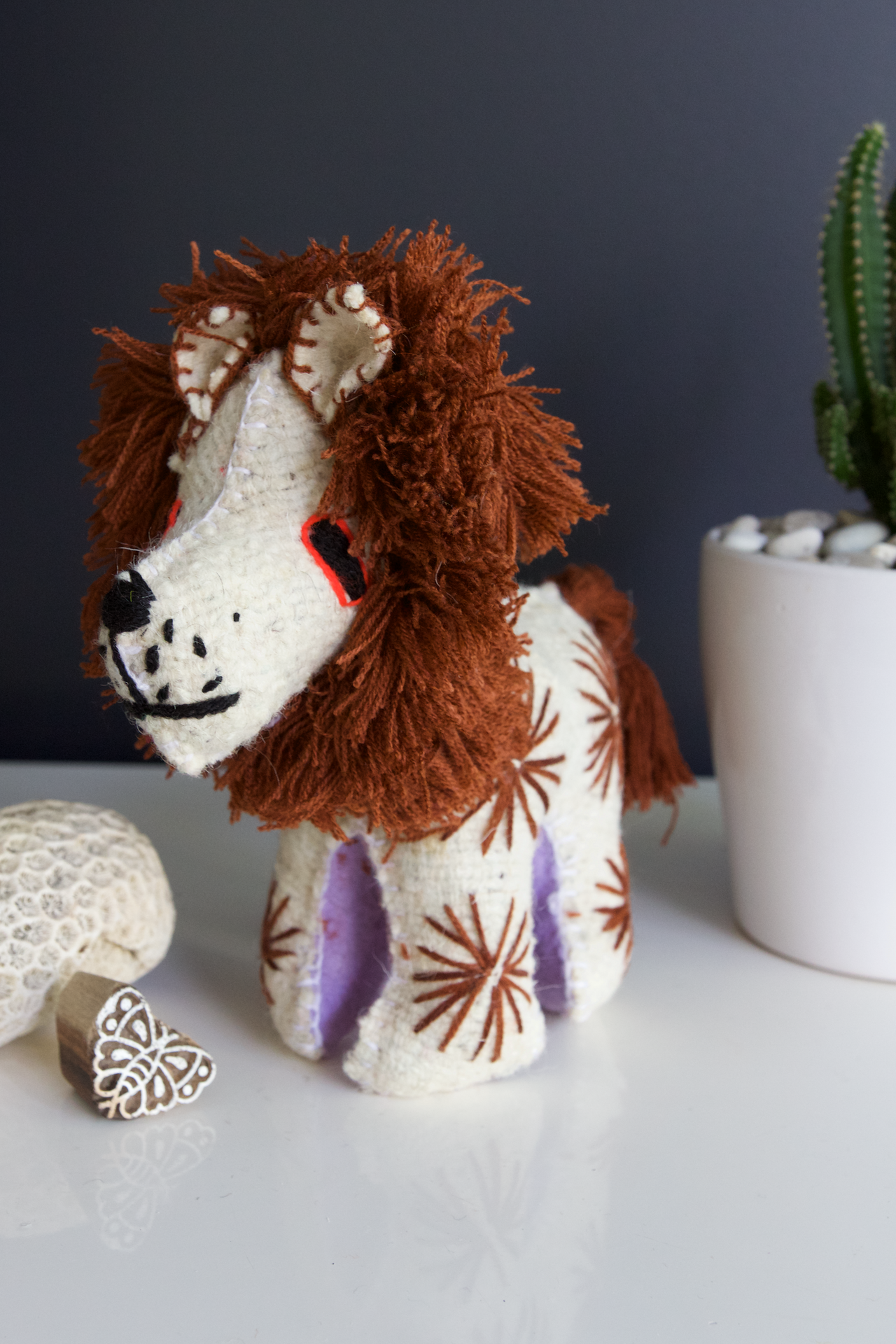 Animalito Lion 01  Decor White - Cielo Collective handmade Mexico Guatemala