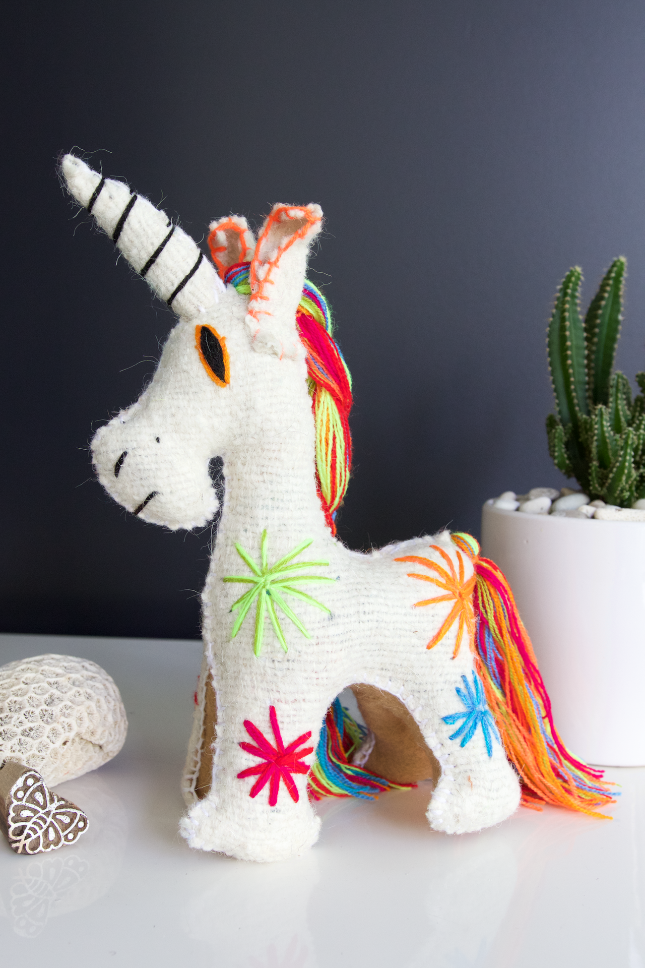 Animalito Unicorn 01  Decor White - Cielo Collective handmade Mexico Guatemala