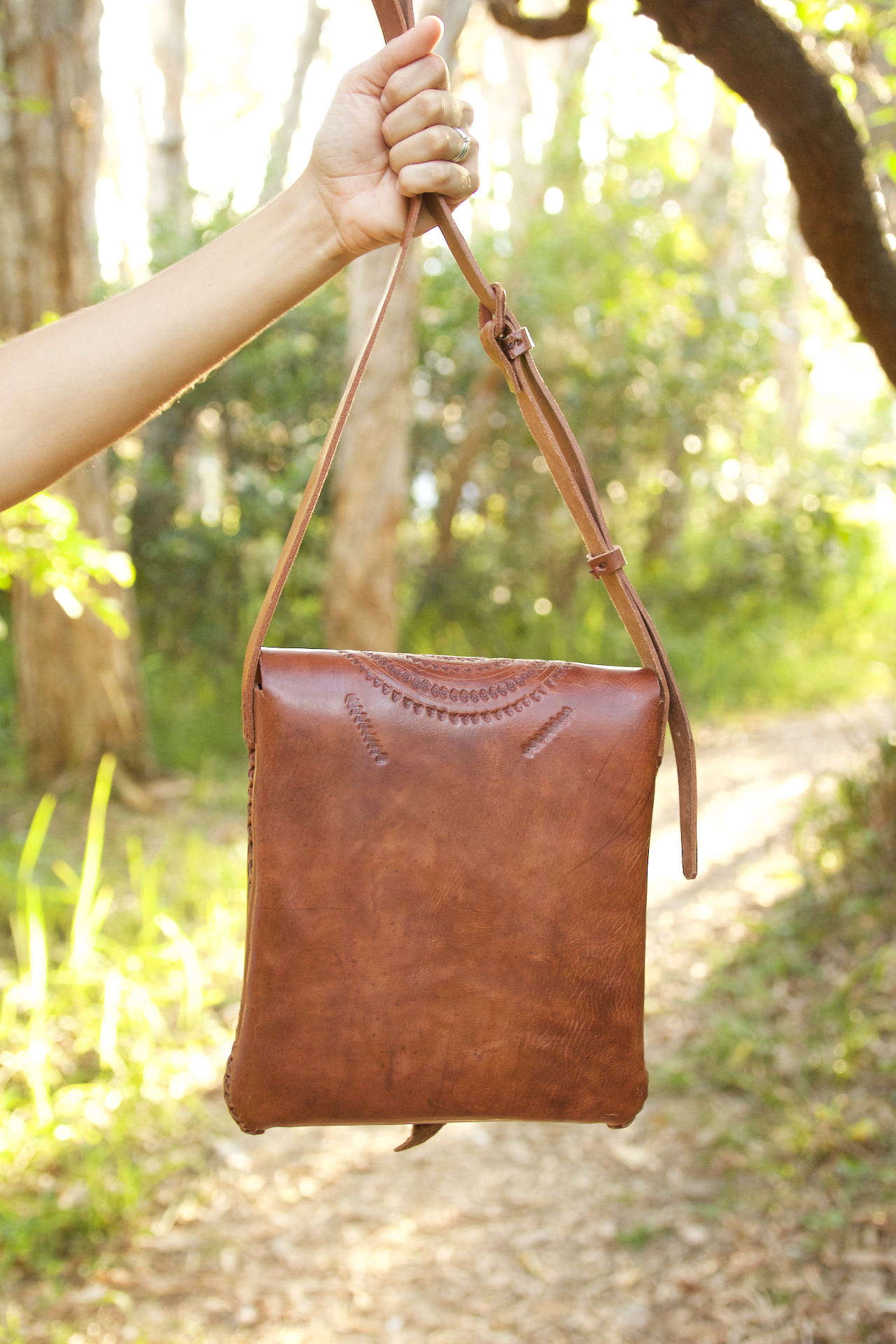 Mundo Bag  Shoulder Bag Tan - Cielo Collective handmade Mexico Guatemala