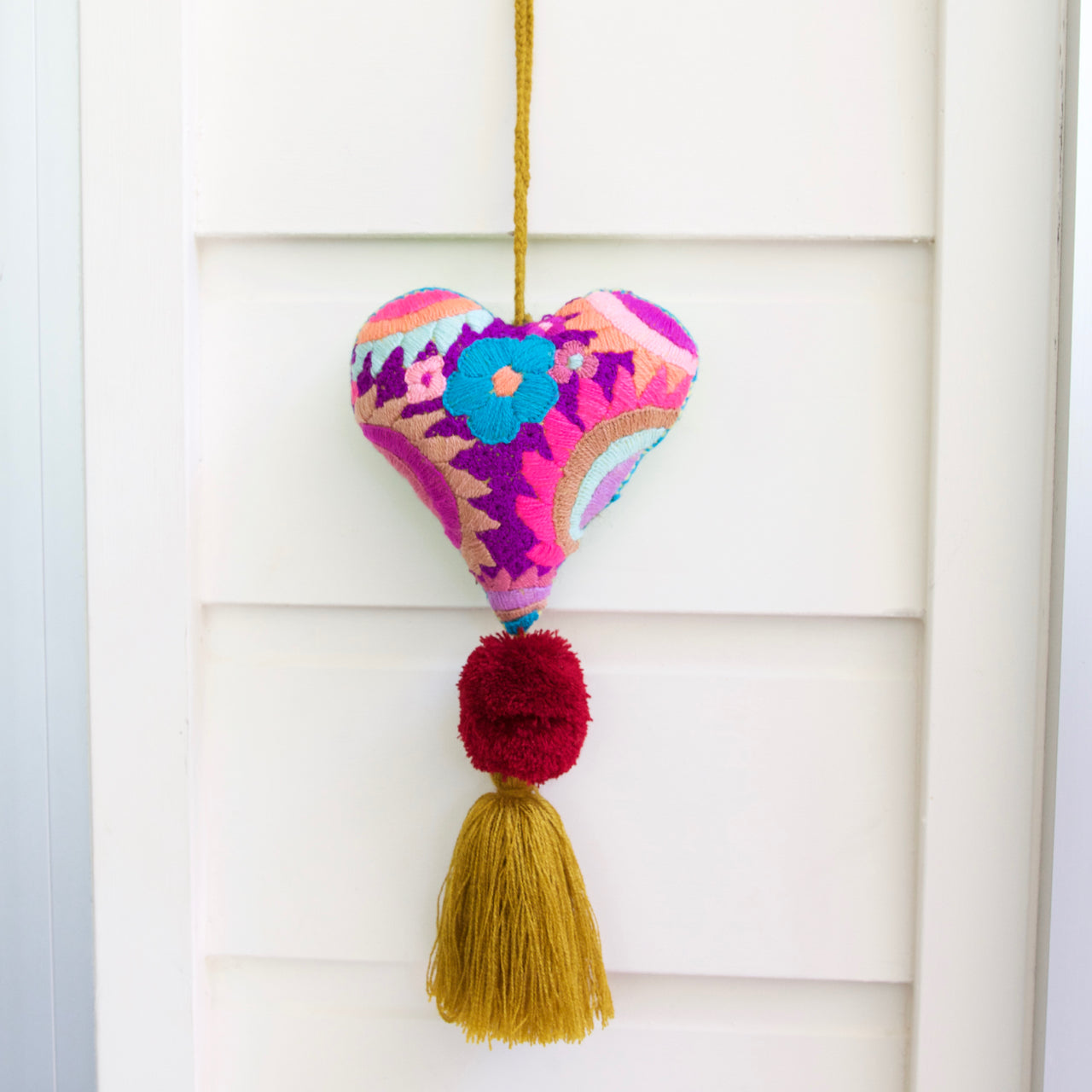 Corazon Pom Pom 49  Decor Purple - Cielo Collective handmade Mexico Guatemala