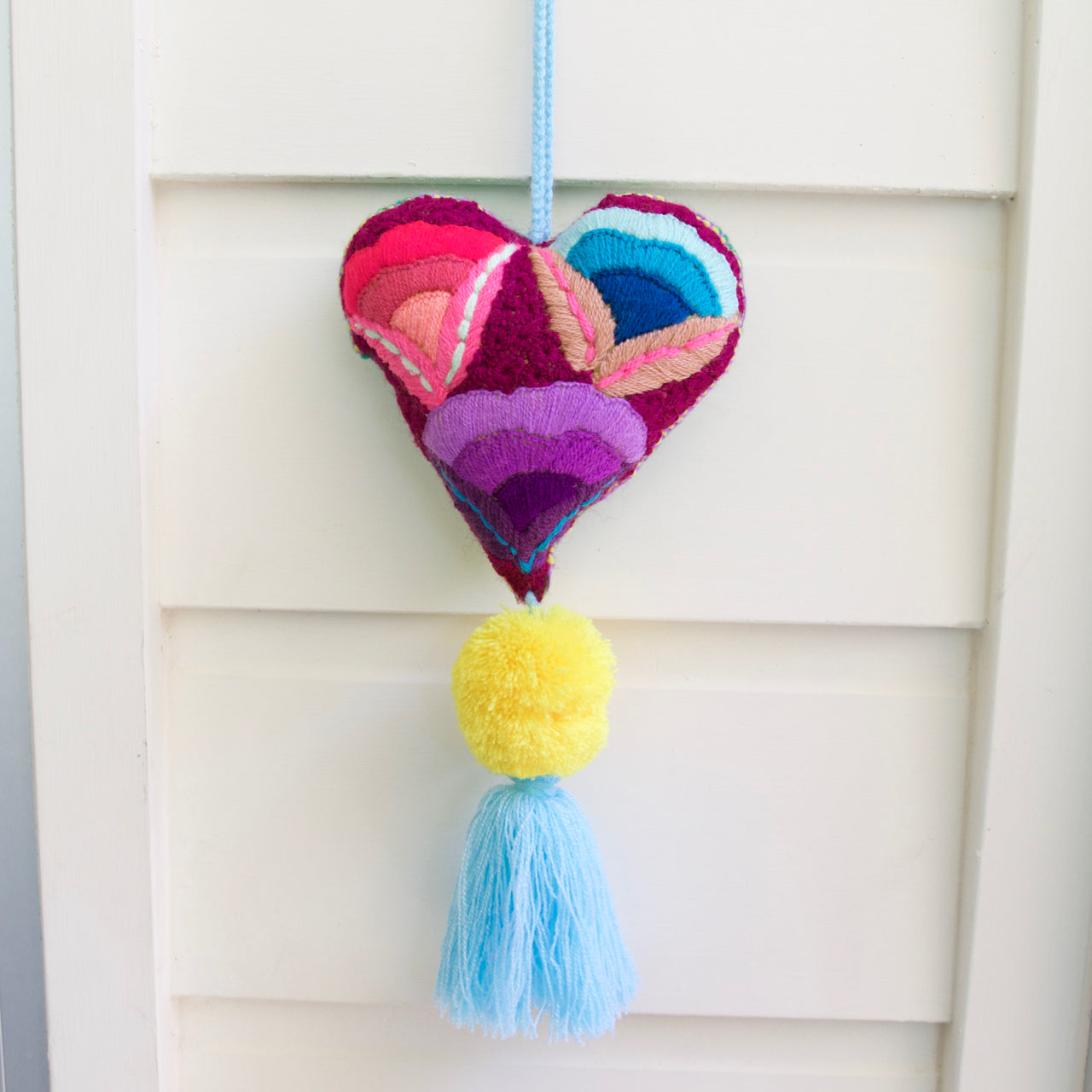 Corazon Pom Pom 54  Decor Blue - Cielo Collective handmade Mexico Guatemala