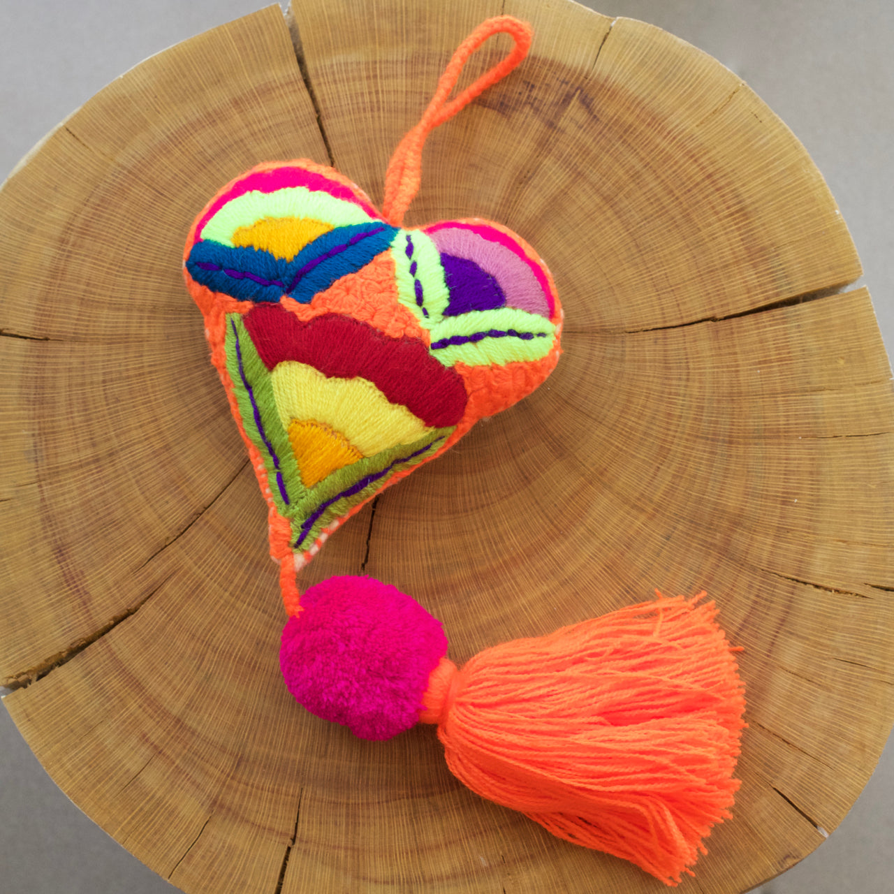 Corazon Pom Pom 27  Decor Orange - Cielo Collective handmade Mexico Guatemala