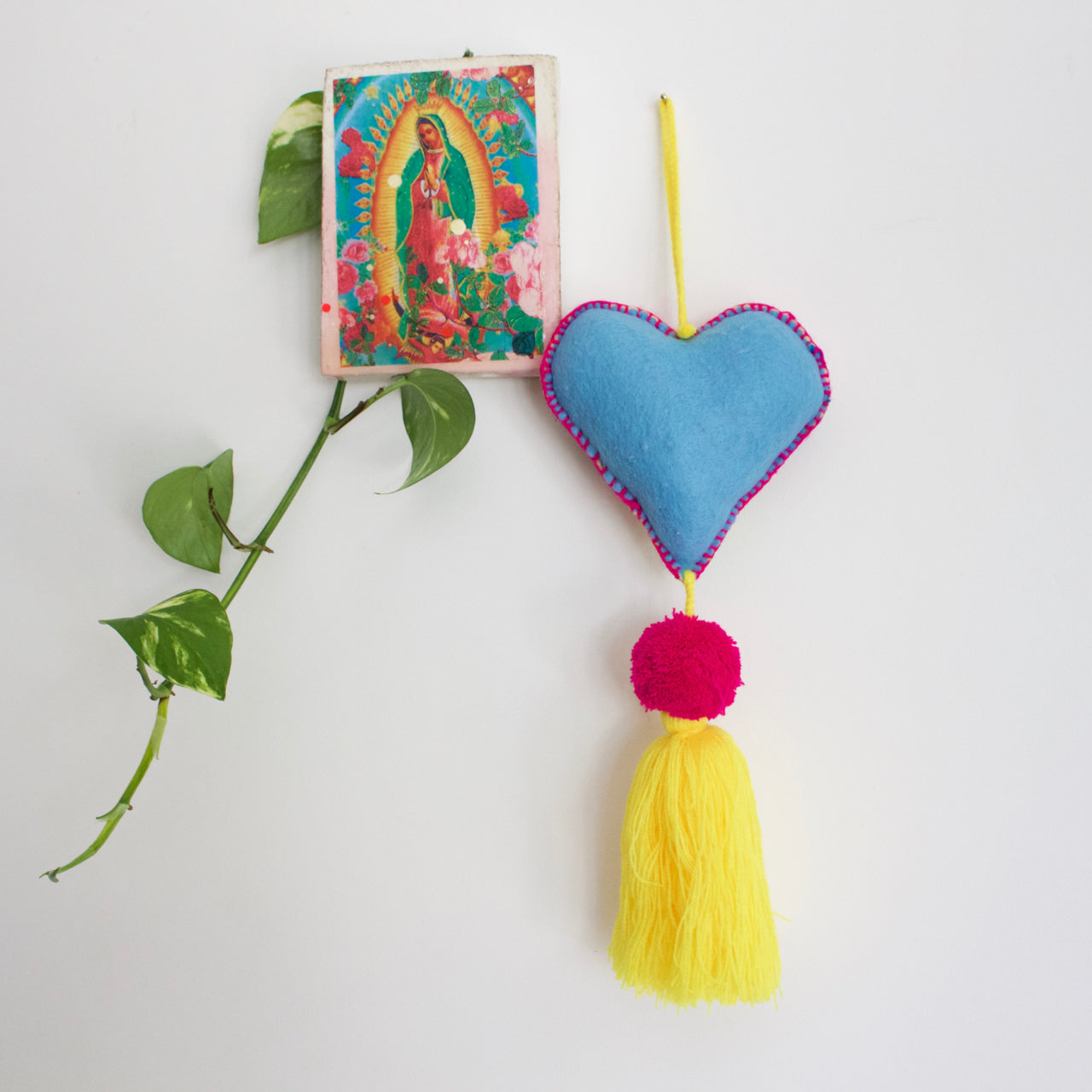 Corazon Pom Pom 35  Decor Yellow - Cielo Collective handmade Mexico Guatemala