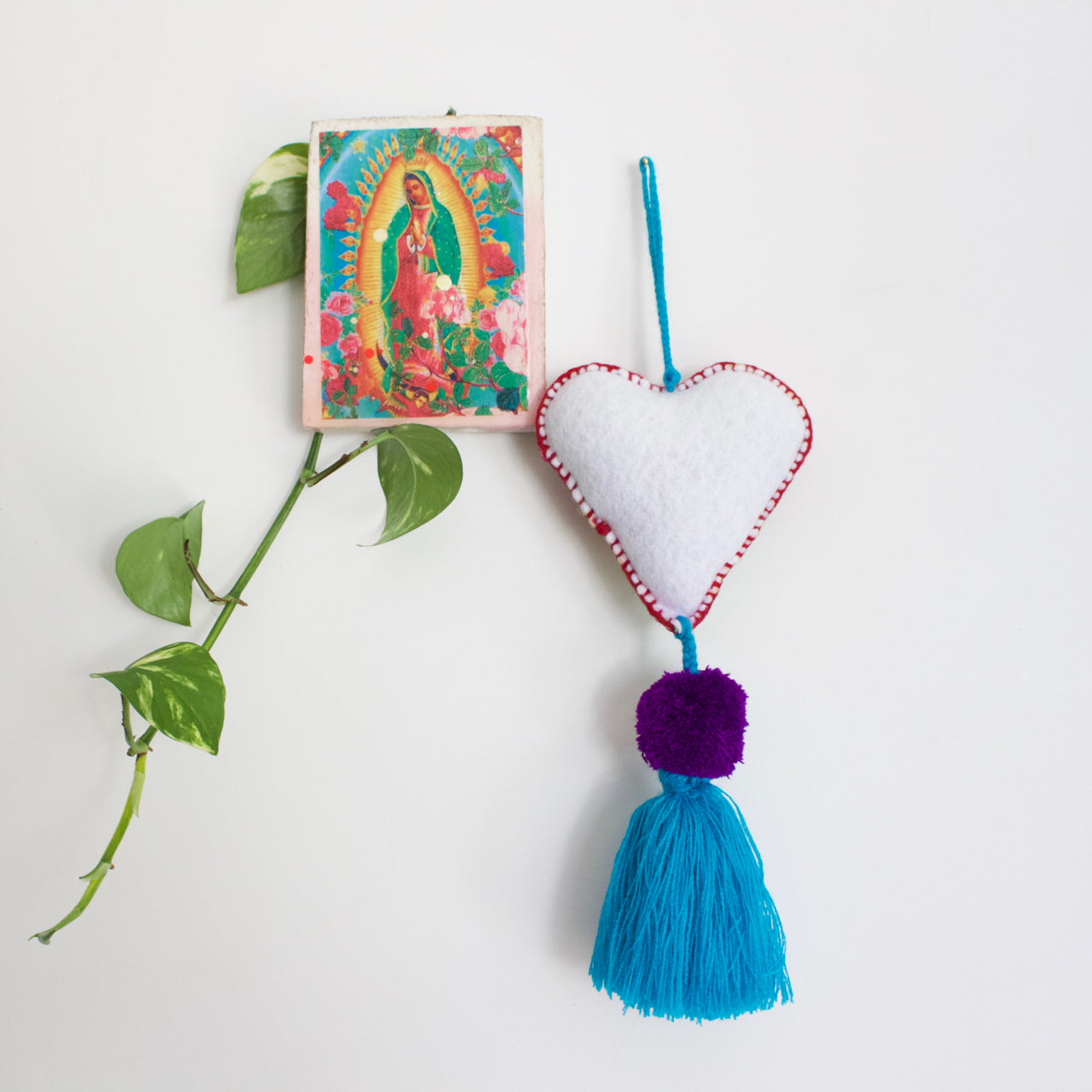 Corazon Pom Pom 40  Decor Blue - Cielo Collective handmade Mexico Guatemala