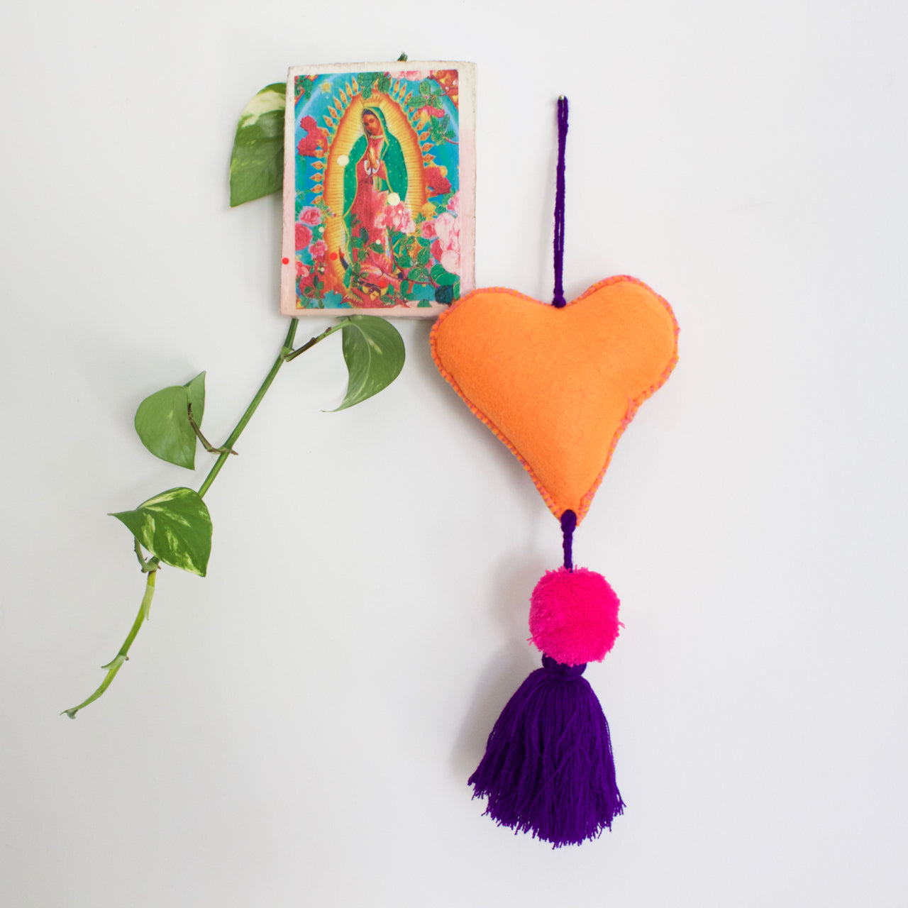 Corazon Pom Pom 41  Decor Purple - Cielo Collective handmade Mexico Guatemala