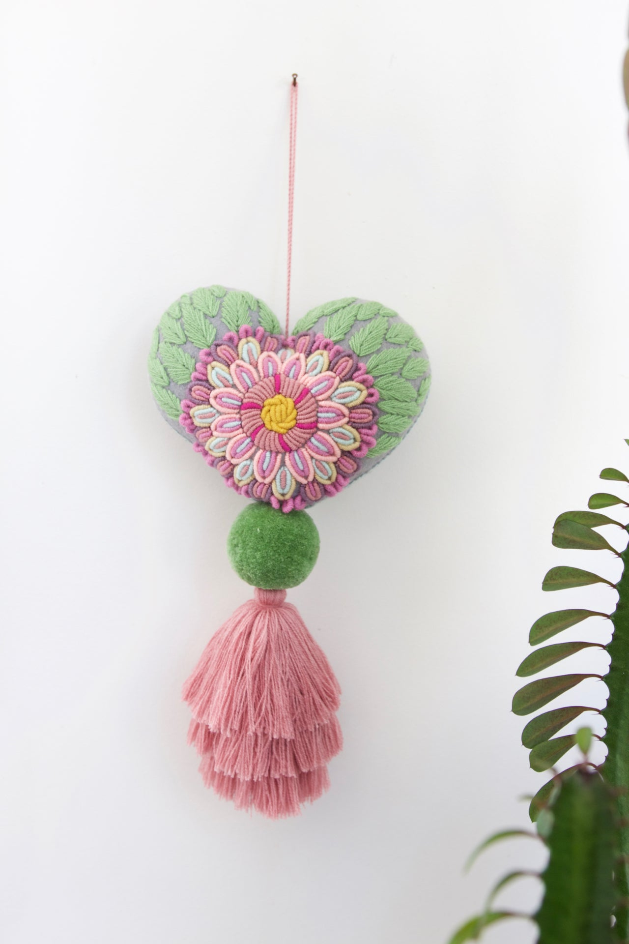 Corazon Pom Pom - Large 01  Decor Pink & Green - Cielo Collective handmade Mexico Guatemala
