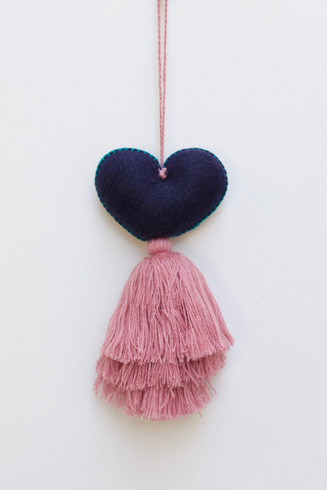 Corazon Tassel 04  Decor Pink - Cielo Collective handmade Mexico Guatemala