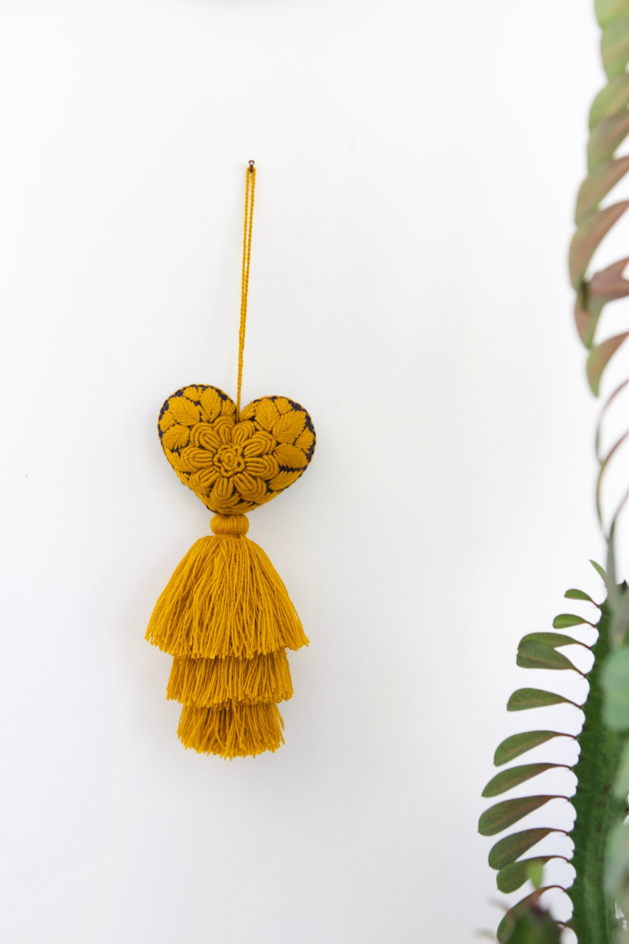 Corazon Tassel 07  Decor Mustard - Cielo Collective handmade Mexico Guatemala
