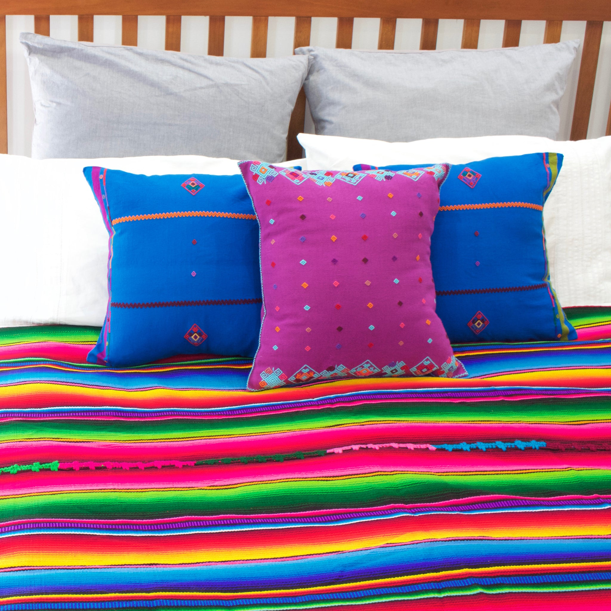 Mundo Cushion  Cushion Purple - Cielo Collective handmade Mexico Guatemala