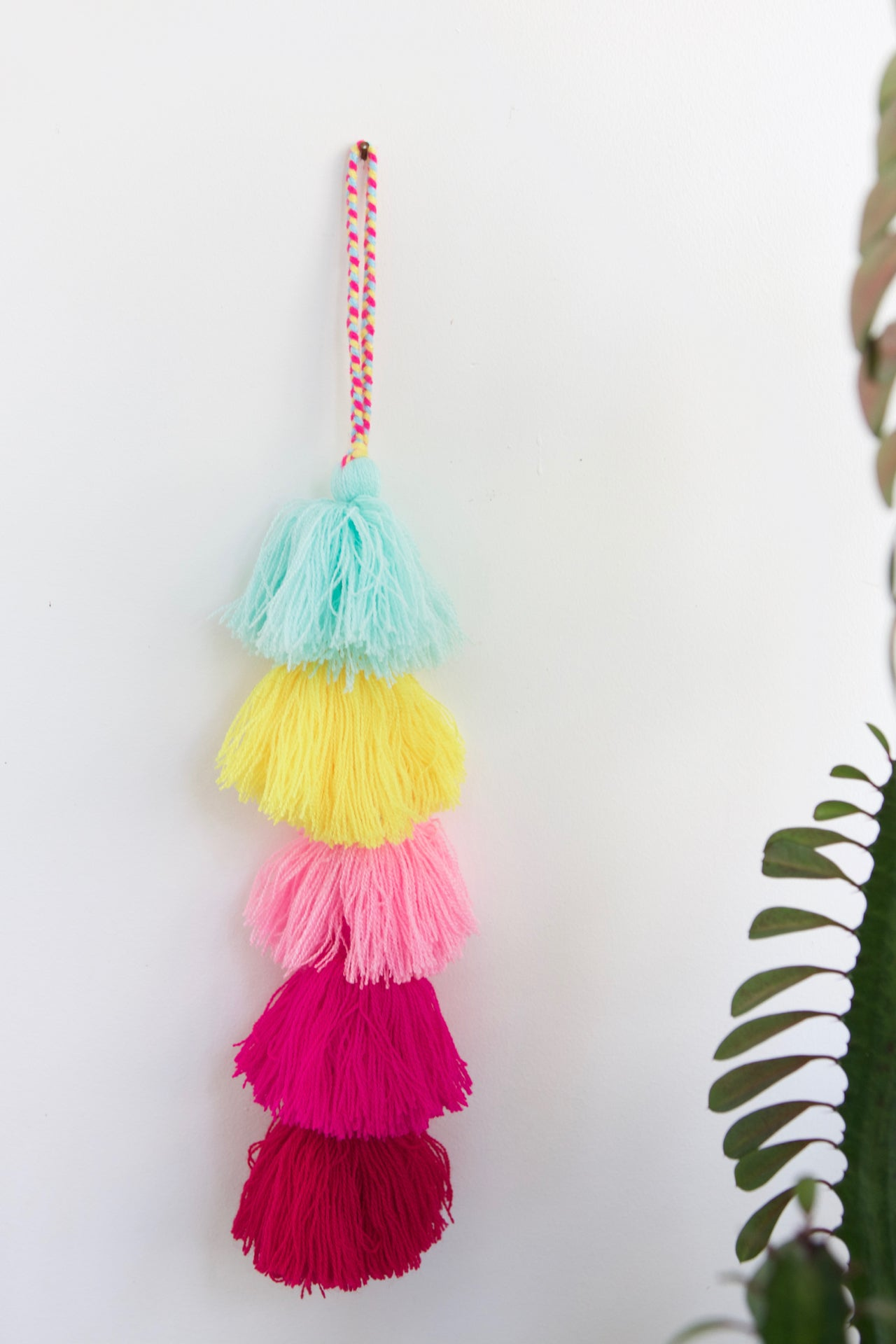 Tassel Strand 04  Decor Multicolour - Cielo Collective handmade Mexico Guatemala