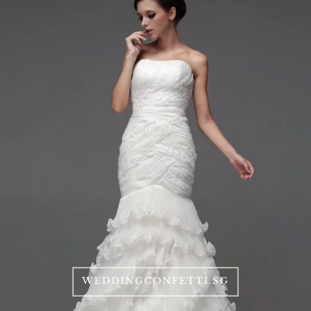 The Carlista White Tube Gown - WeddingConfetti