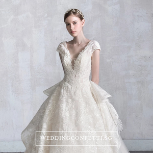 The Oaklynn Wedding Bridal Lace Wedding Gown - WeddingConfetti