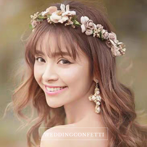 Floral Hair Crown - WeddingConfetti