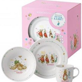 Peter Rabbit pink dinner set.