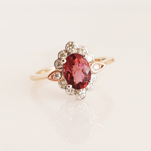 9ct 3 tone Morganite & Diamond ring.