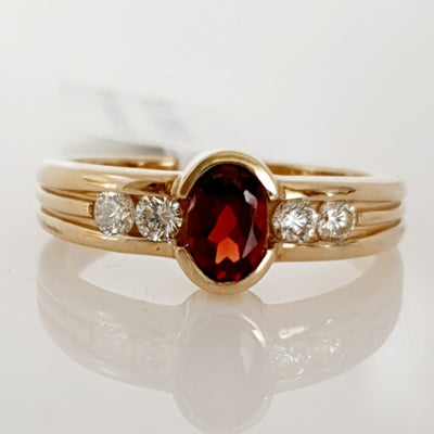 9ct yellow gold Garnet & Diamond ring.
